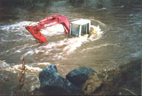 A digger drowned in the Roe